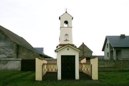 Kosorowice Kaplica dzwonnica 1.jpeg
