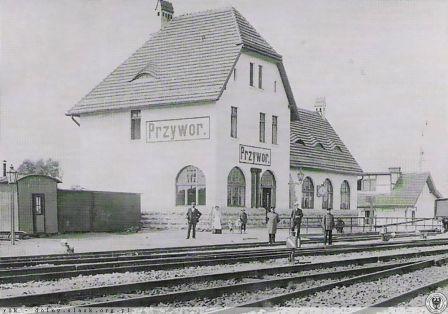 Przywory Dworzec Historyczna pocztówka.jpeg